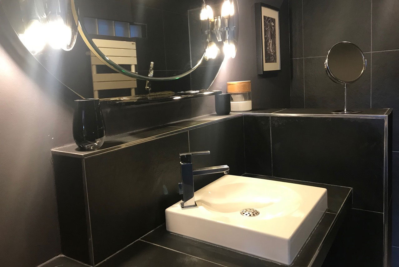 Salle de bain du loft de la chambre d'hôte